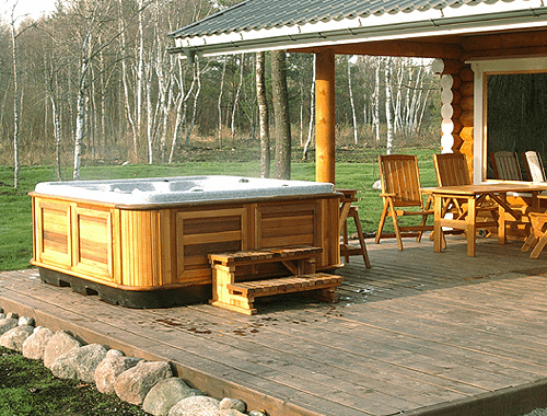 arctic spas hot tub on open patio1